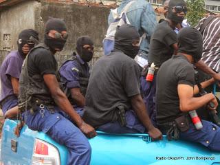"""L'unité spéciale """"anti-Likofi"""" de la PNC avait pour mission de traquer les gangues en villes de Kinsahsa."""