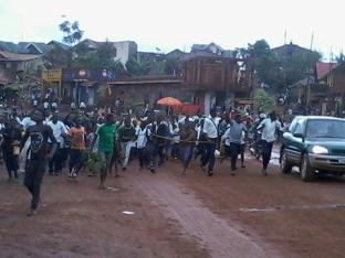 Les jeunes de Butembo dénonçant le génocide qui sévit au Grand-Nord Kivu.