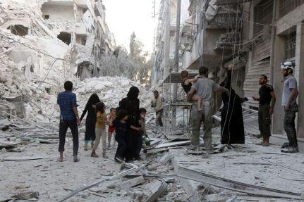 A Alep, après un bombardement. (Photo : Thaer Mohammed/AFP)