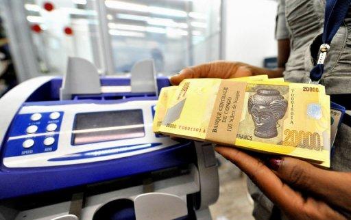Economie : Le dollar américain franchit la barre de 1.300 francs congolais